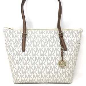 Jet Set Large East West Signature Top Zip Tote